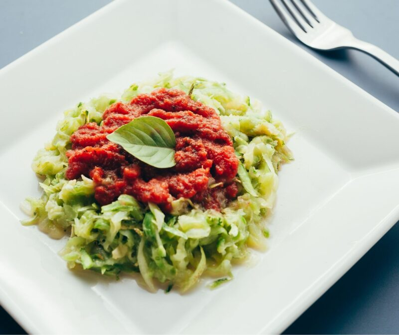 spaghettis-courgette-bolognaise-vegan